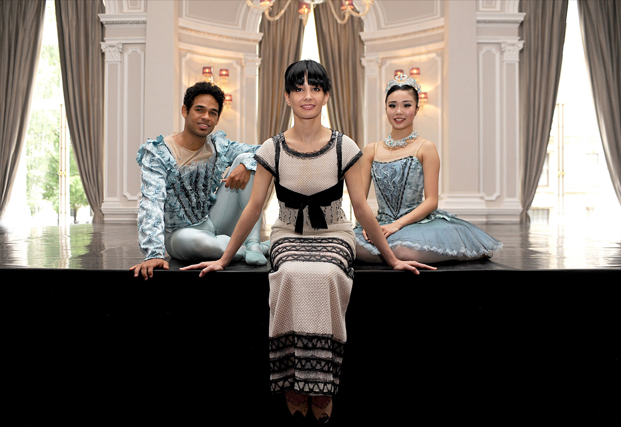 Tamara Rojo, Artistic Director of English National Ballet, with dancers Yonah Acosta and Shiori Kase (photo by Annabel Moeller).