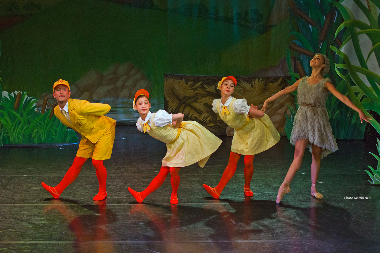 Northern Ballet dancers in Ugly Duckling (photo by Martin Bell).