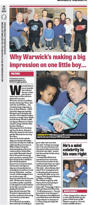 MK Citizen 5th December 2013 - Panto - Warwick Davis makes a big impression on one little boy