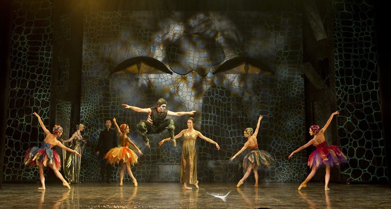 Northern Ballet dancers in Beauty and the Beast. Production photography by Bill Cooper.