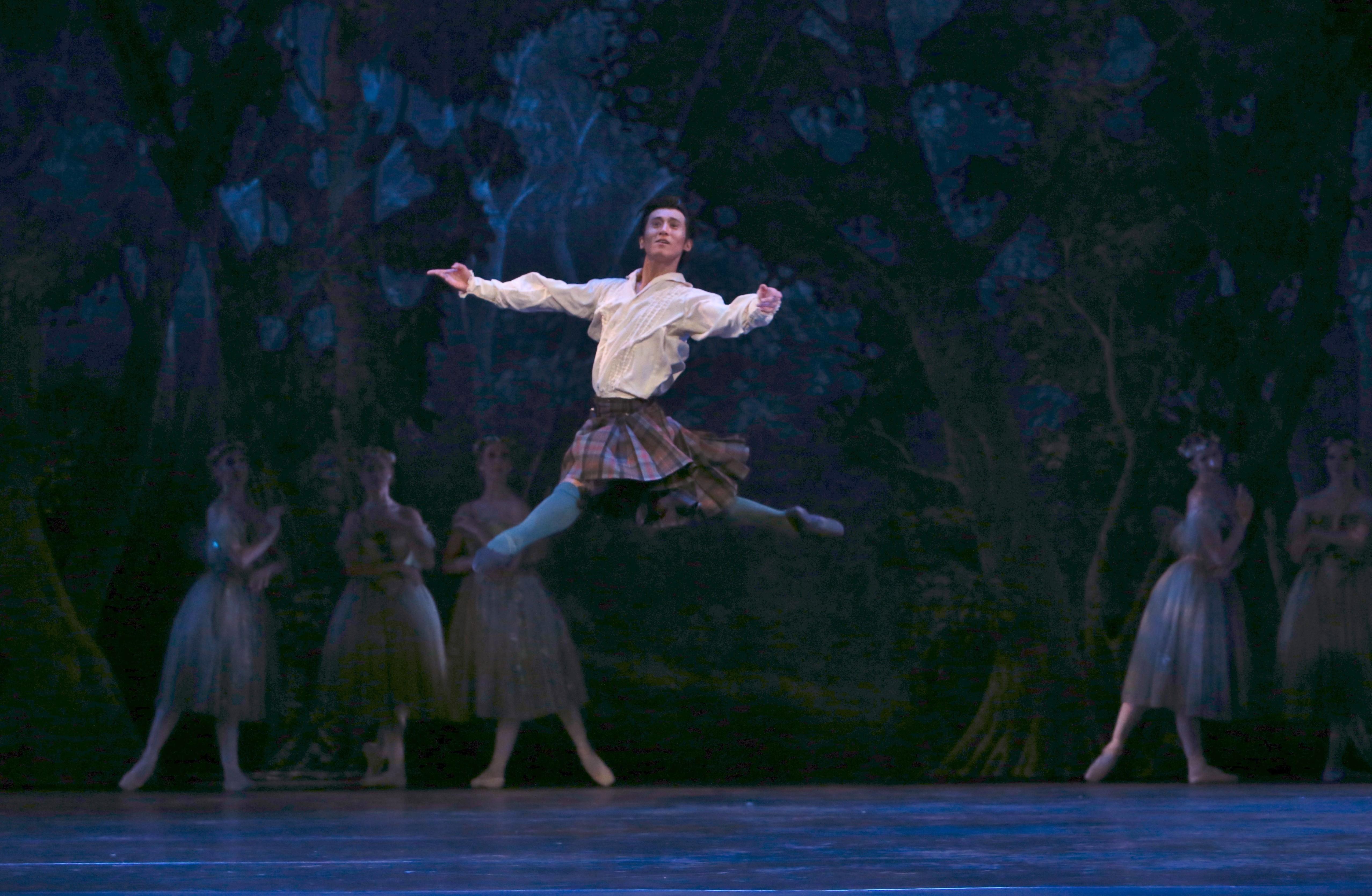 Queensland Ballet. La Sylphide. Guest Artist Qi Huan. Photo by David Kelly.