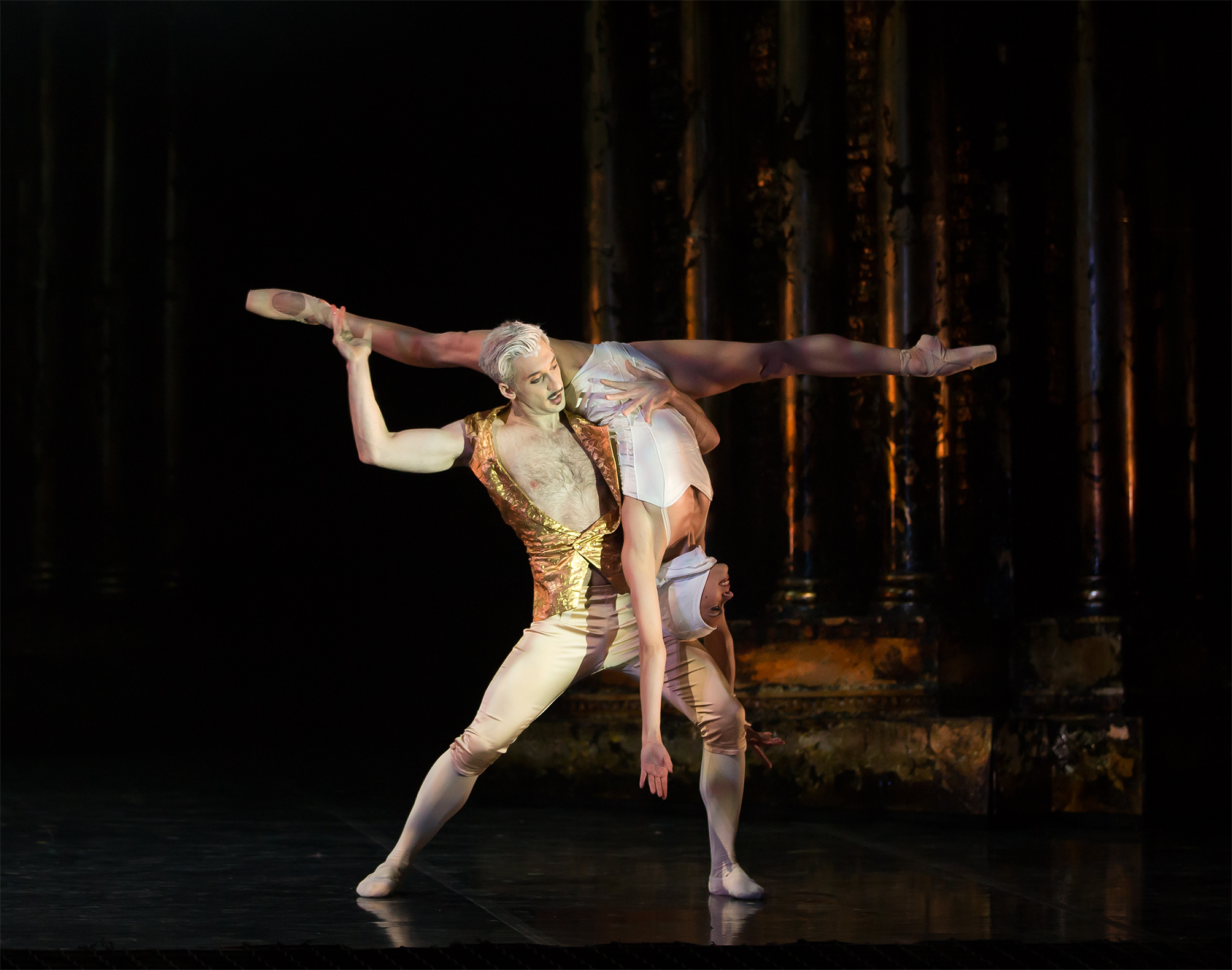 Northern Ballet's Casanova. Giuliano Contadini as Casanova and Ailen Ramos Betancourt as MM. Photo by Emma Kauldhar.