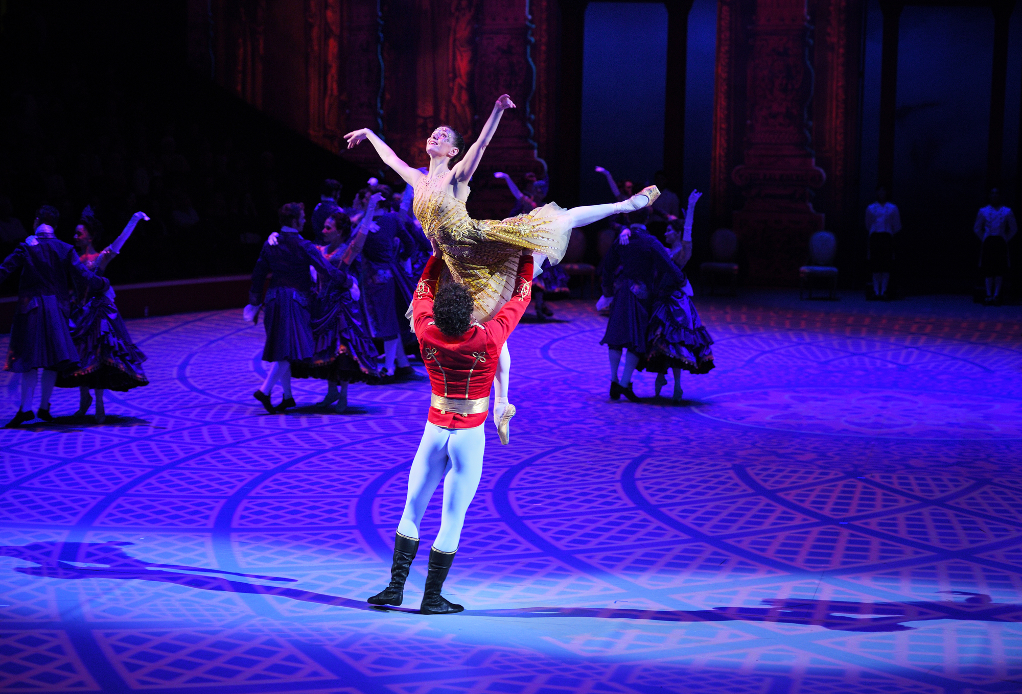 Cinderella in-the-round. English National Ballet Lead Principals Alina Cojocaru and Isaac Hernandez in Cinderella in-the-round.