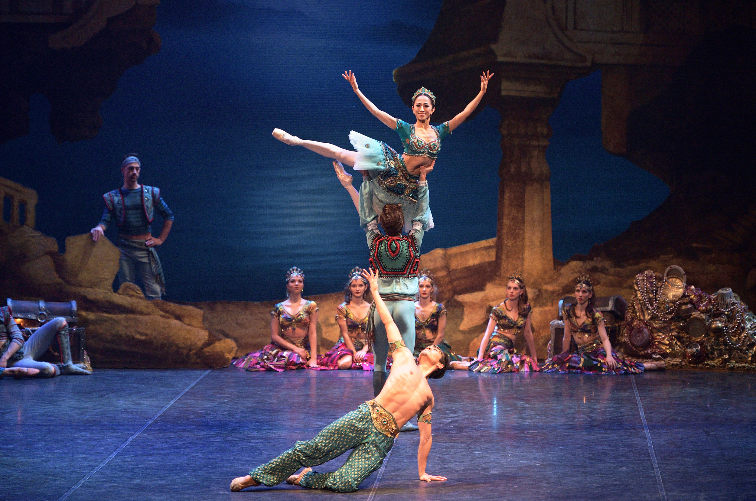 Le Corsaire. Erina Takahashi, Francesco Gabriele Frola and Jeffrey Cirio in English National Ballet's Le Corsaire.