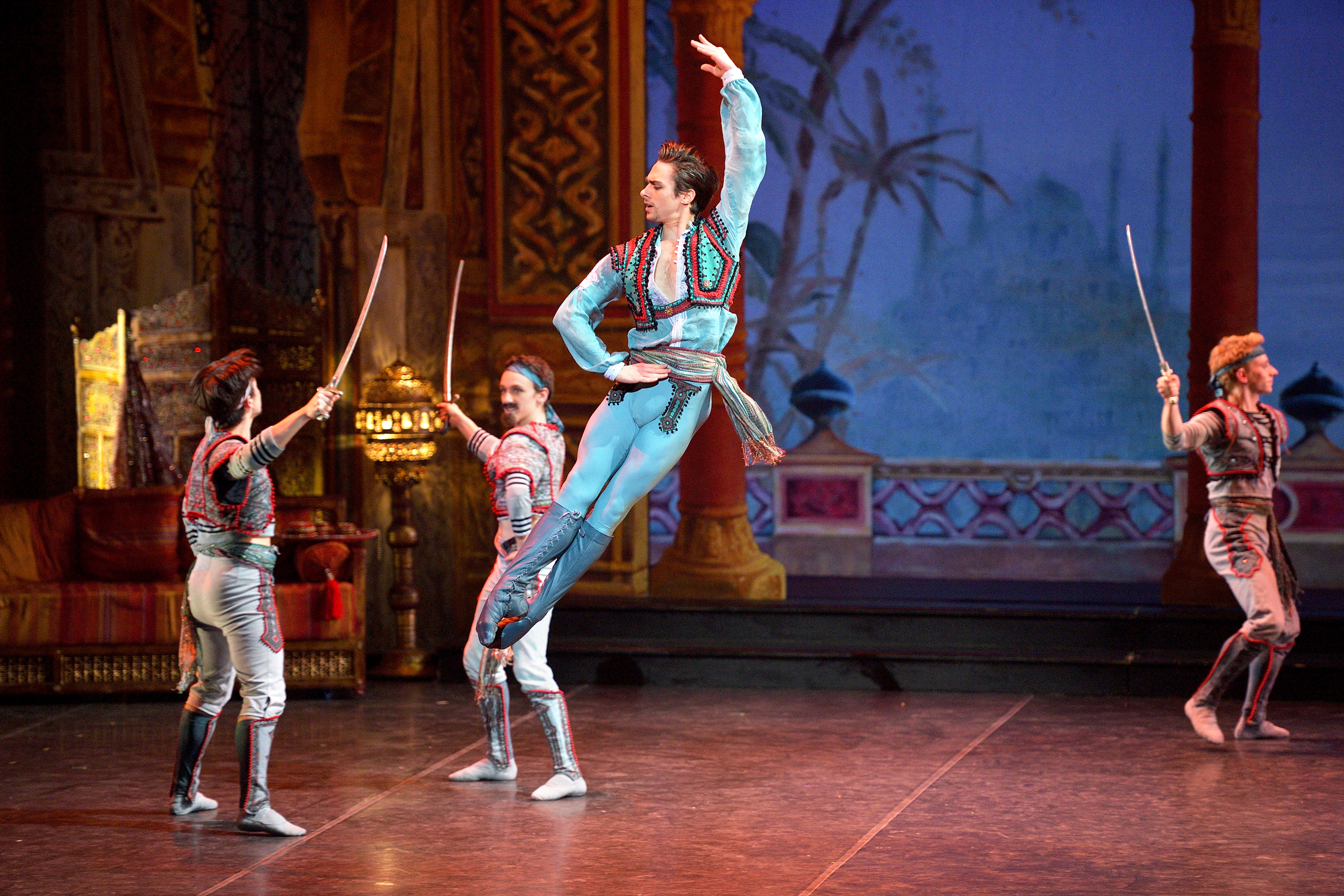 Le Corsaire. Francesco Gabriele Frola as Conrad in English National Ballet's Le Corsaire.